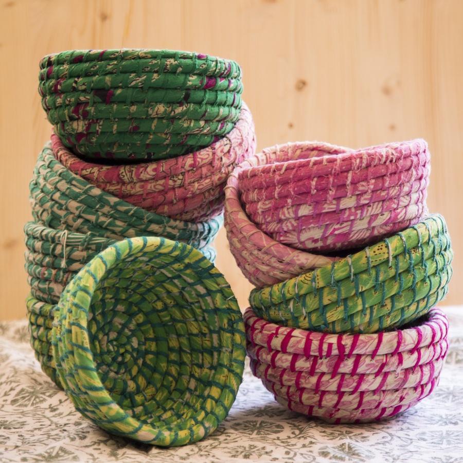 Set de dos cestas de Kaisha grass y sari reciclado